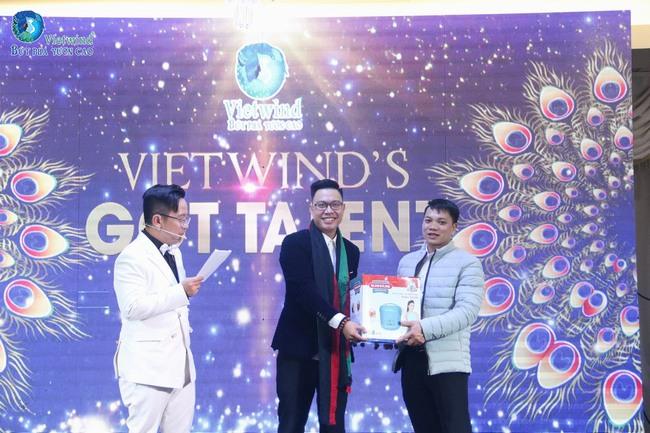 vietwind-tiec-cuoi-nam-201737